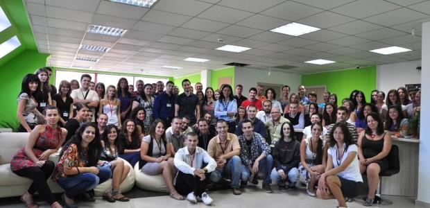 """Tweet Tweet 40 нови работни места във Варна открива Българо – Американска компания """"През 2016 години във Варна планираме нови инвестиции, което ще доведе до отварянето на над 40 нови […]"""