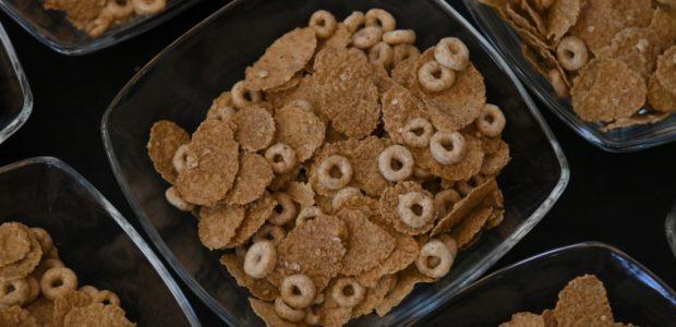 Tweet Tweet На специална работна закуска днес беше представен най-новият продукт на Зърнени закуски Нестле – Cheerios OATS с овес, който спомага за намаляването на холестерола. В събитието се включиха […]