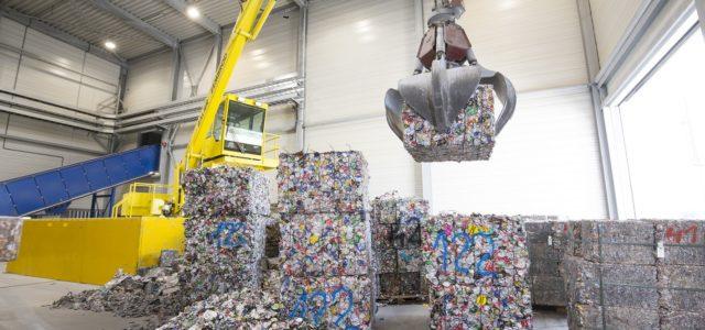 Норвежката компания за алуминий и възобновяема енергия HYDRO и производителят на енергийни и безалкохолни напитки HELL ENERGY подписаха договор, с който представят най-екологичния кен в света – Hydro CIRCAL. Новите […]